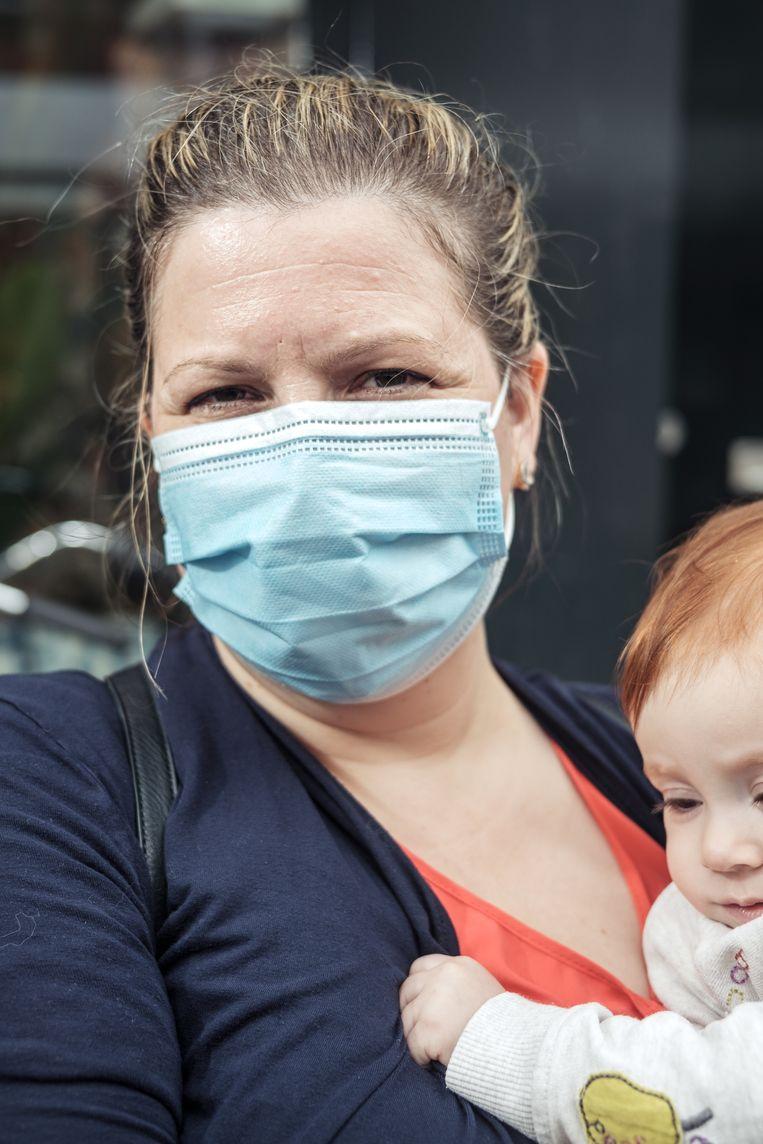 Gina Rasool (40): 'Ook mijn kind kan ziek worden' Beeld Jakob van Vliet