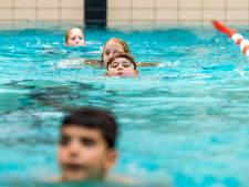 Toen de premier het over 'afzwemmen' had, was ik het jongetje dat die twee zwemdiploma's moest halen