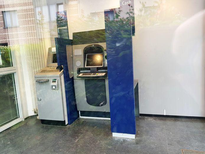 Met de sluiting van het KBC automatenkantoor verdwijnt het laatste geldautomaat in Lembeek.