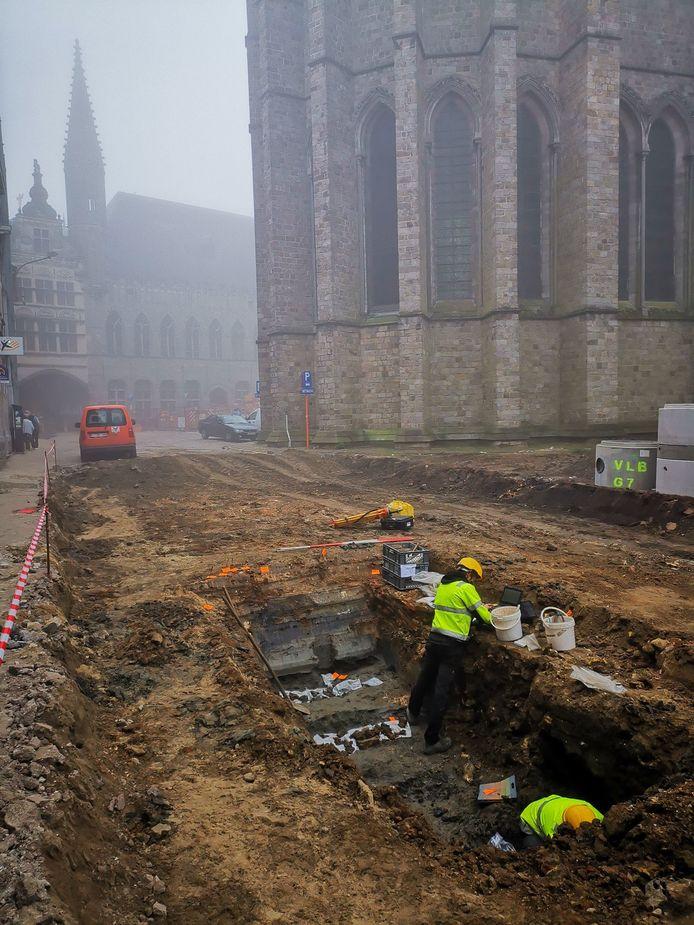 Rond de kathedraal zijn al een tijdje opgravingen bezig.