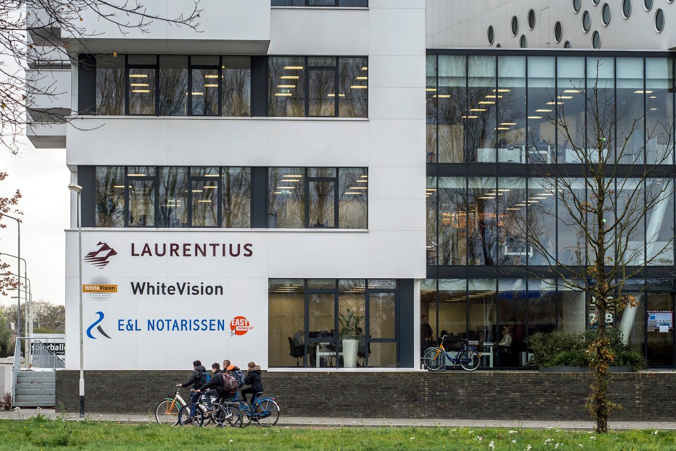 Oud-directeur Walter Vermeulen zou zijn voormalige werkgever Laurentius in Breda mogelijk voor tientallen miljoenen hebben opgelicht.
