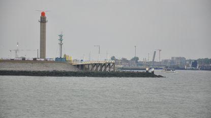 Oude radartoren wordt afgebroken voor verbreding havengeul