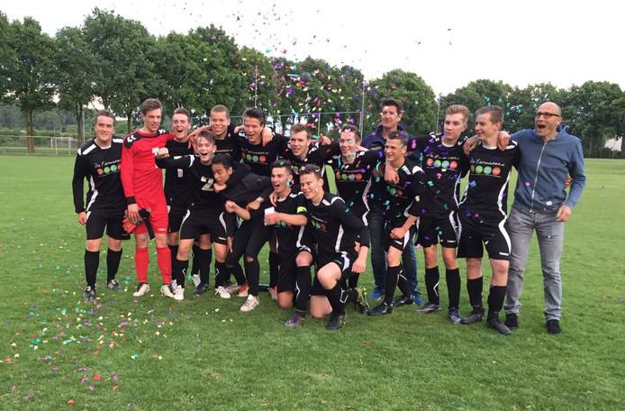 De jeugdafdelingen van VV Ravenstein en SDDL spelen al langer in het shirt van Vesta.