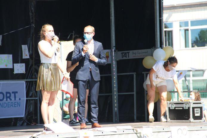 Vlaams minister van Sport en Onderwijs Ben Weyts (N-VA) kwam persoonlijk de winnende klas 4A feliciteren.