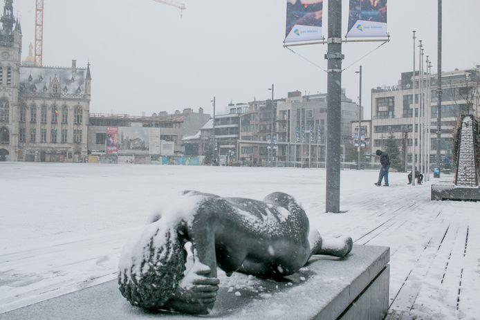 Sneeuw Grote Markt Sint-Niklaas