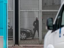 Veel zware criminelen 'op pad'; preventief fouilleren rondom gevangenis blijft gehandhaafd