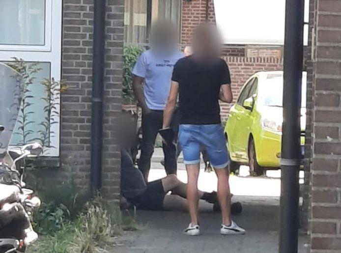 De verdachte werd op heterdaad betrapt bij het stelen van een elektrische fiets in Doetinchem. Hij is aangehouden.