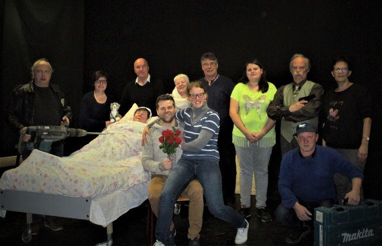 'De Kat in de Kelder', de nieuwste productie van toneelkring Bouckhout, vertoont opvallend veel gelijkenissen met de bankroof in Antwerpen van begin februari