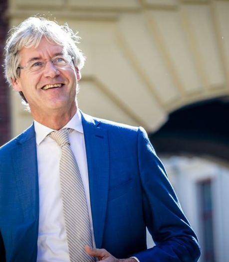 Minister Arie Slob opnieuw opa geworden: 'Hoe gelukkig kan een mens zijn'