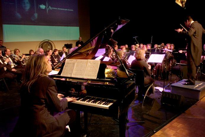 In 2007 was het podium van Tiliander aan het vernieuwde Asterius uit Oisterwijk en het Zwolse toetsenfenomeen Jan Vayne.