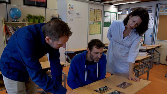 Collin, Maarten en Remona, oud-klasgenoten van Dennis, in 'We noemden hem Krielkip'.