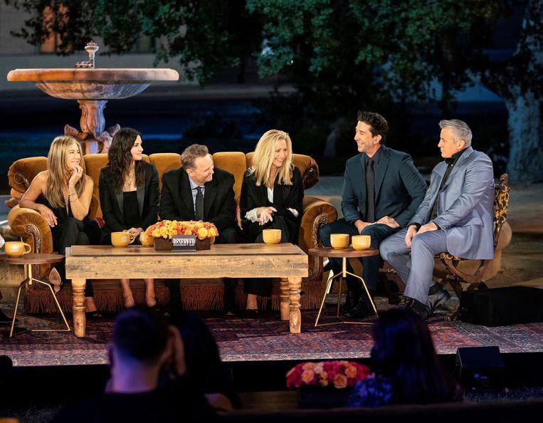 De cast van Friends bij de bekende fontein uit de intro van serie. Beeld EPA