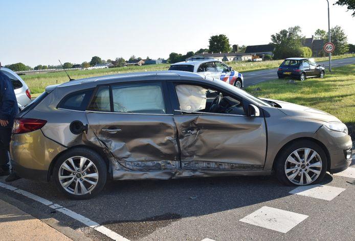 Bij het ongeval waren drie auto's betrokken.