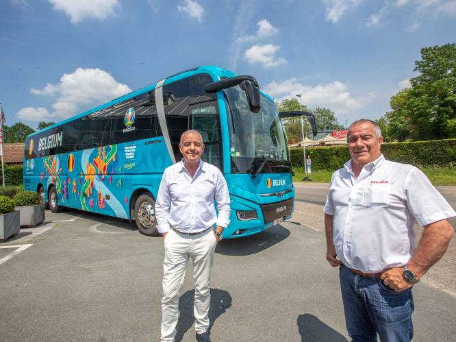 """Alain (62) is de vaste chauffeur van de Rode Duivelsbus: """"Vriendelijke kerels! En het rijden onder escorte is schitterend"""""""