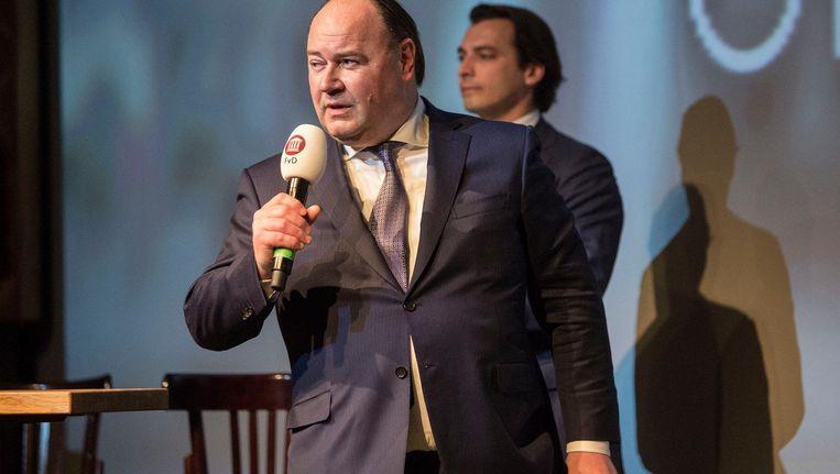 Penningmeester en lijsttrekker voor de Eerste Kamer Henk Otten tijdens een FvD-campagneavond. Beeld Arie Kievit