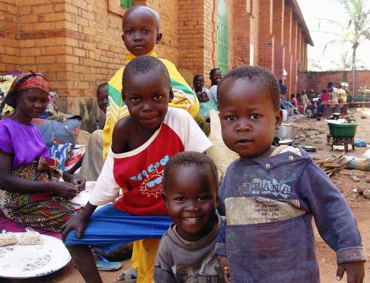 Vluchtelingen schuilen in een kerk in Bangui. Beeld reuters