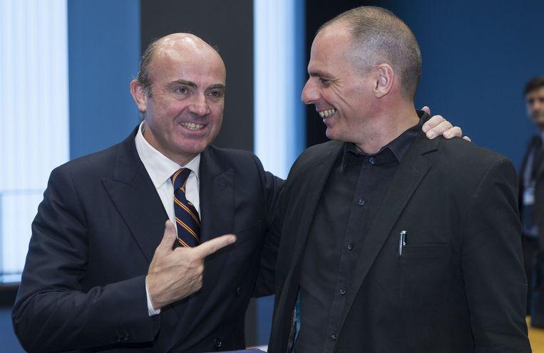 Varoufakis en de Spaanse economieminister De Guindos. Beeld AFP