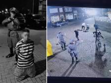 Gemeente Urk onderzoekt 'heftige' beelden van jongeren in 'nazi-kledij' en gevangene met Jodenster op