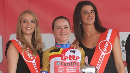 Opsteker na Rio: Annemiek van Vleuten wint proloog in Lotto Belgium Tour