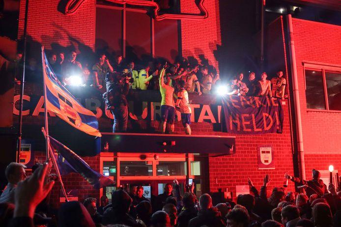 Na de winst van Cambuur is er groots feest gevierd. Het Cambuurplein stond vol met fans om de officieuze promotie te vieren.