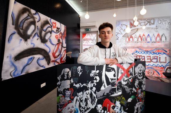 Michael Meyers exposeert bij Factum, de galerij van Gladys Henkens.