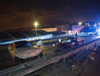 Ongeval met drie auto's op brug over Dender: vier gewonden, waaronder één kritiek