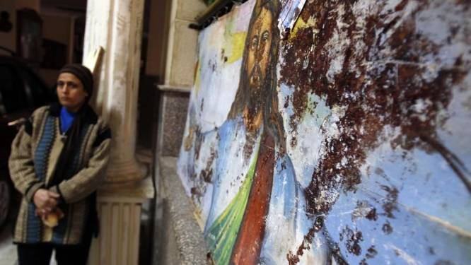 """Paus stelt """"laffe daad"""" in Alexandrië aan de kaak"""