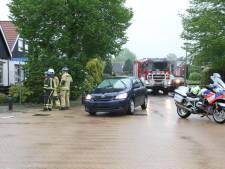 Auto's botsen tegen elkaar in Nijverdal