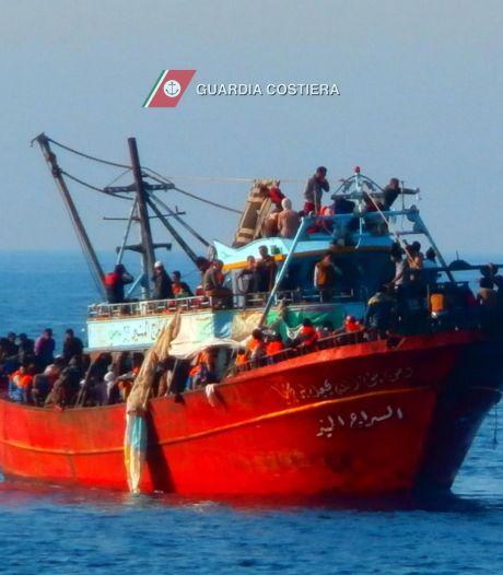 300 migrants secourus au large des côtes italiennes