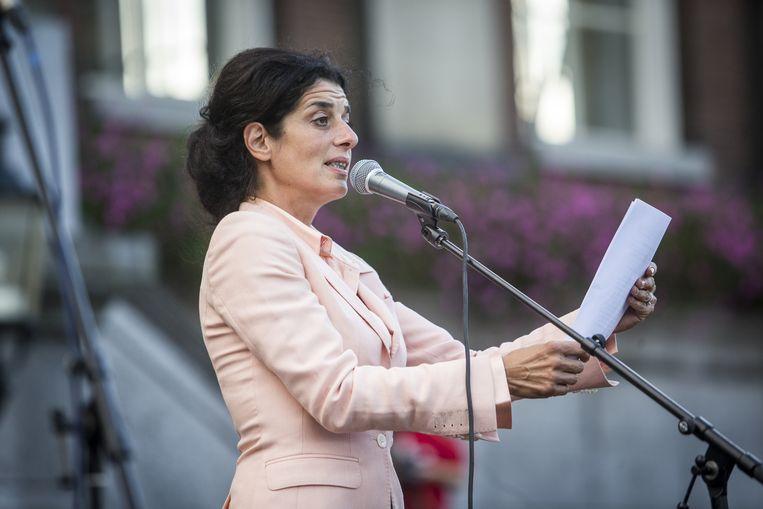 Ola Mafaalani, directeur van het Noord Nederlands Toneel, spreek op de Grote Markt tijdens de manifestatie Vluchtelingen Welkom in Groningen. Beeld anp