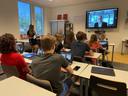 Via Zoom maakten leerlingen van VWO-4 kennis met leerlingen en docenten van de privéschool in Säo Paulo.