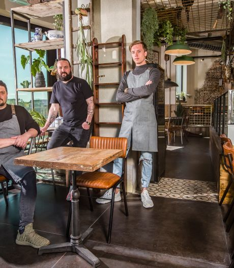 """Bar Bask opent met ruim een half jaar vertraging: """"Er hoort een broeierig sfeertje bij, dat kon tot nu toe niet"""""""