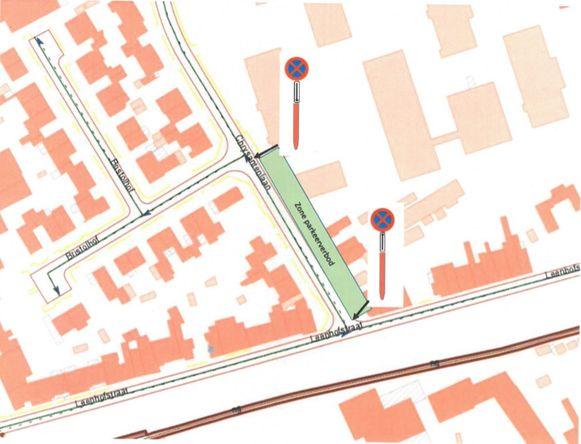 Het parkeer- en stilstaanverbod zal gelden vanaf de Leenhofstraat tot aan Bristolhof.