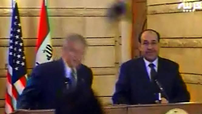 Journalist die schoen naar het hoofd van George W. Bush gooide, doet mee aan Iraakse parlementsverkiezingen
