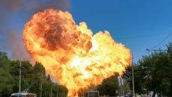 Ontploffing in Russisch tankstation veroorzaakt enorme vuurbal