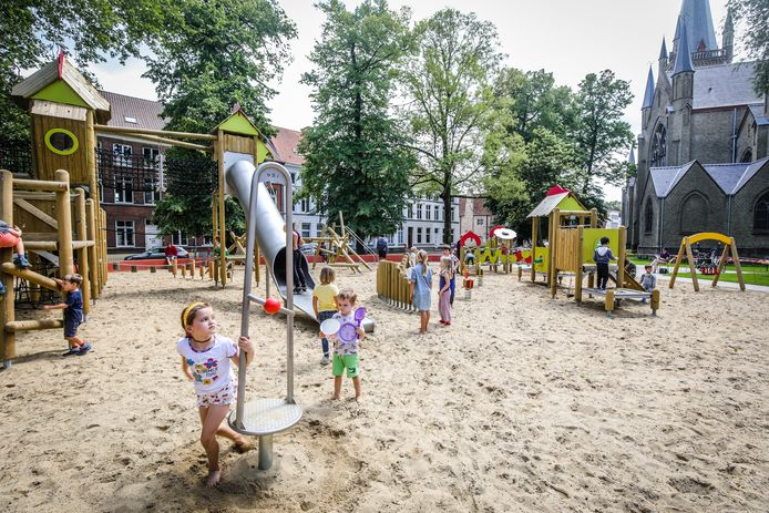 Er zou een zomerbar komen aan het speelplein van het Astridpark.