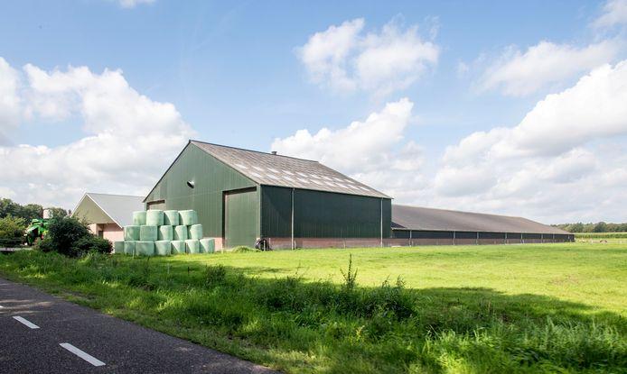 Het varkensbedrijf aan de Ottershagenweg bij Ootmarsum dat fors mag uitbreiden.