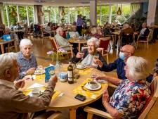 De blijdschap is terug in het verpleeghuis: 'Het was als Bevrijdingsdag toen we weer samen mochten eten'