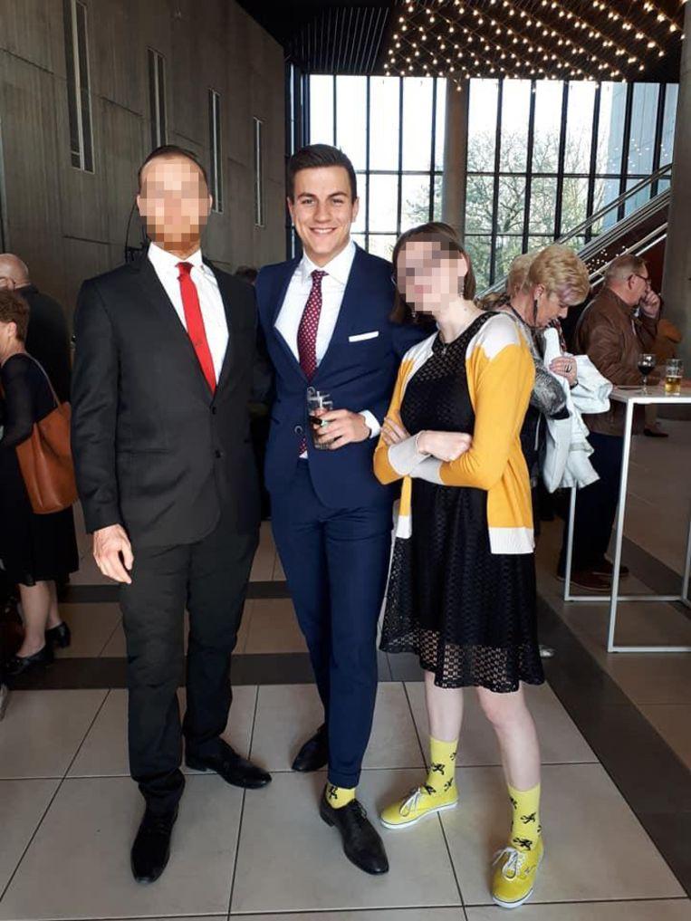 G. V. met Dries Van Langenhove op een partijcongres van Vlaams Belang Beeld RV