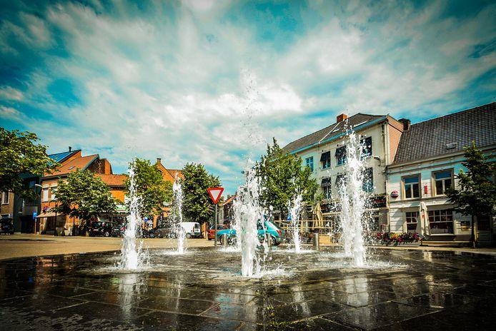 De fontein op het Sint-Maartensplein is hersteld.