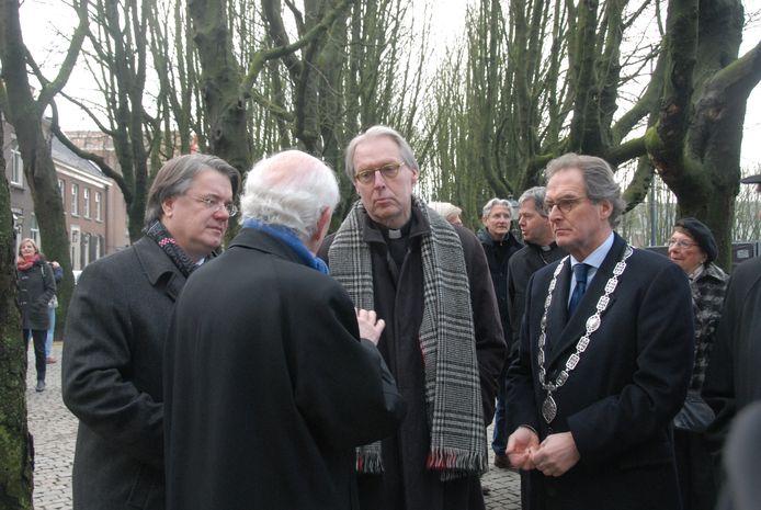 Commissaris van de Koning Wim van de Donk, de nieuwe bisschop Gerard de Korte en burgemeester Ton Rombouts