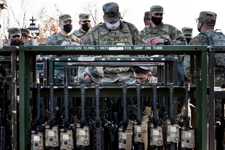 De wapens staan klaar.   Beeld EPA