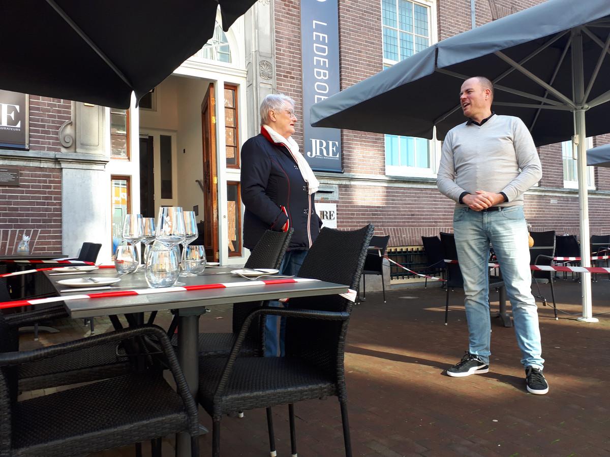 Fenny van de Linde en horeca-ondernemer Richard van den Hoeven snakken beide naar het moment dat de terrassen weer open mogen.