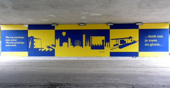 Muurschildering onder viaduct Piushaven.