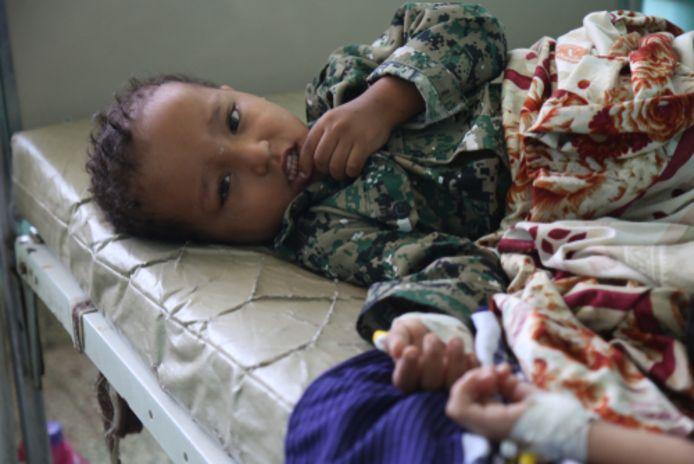 Archiefbeeld. Een kind in het ziekenhuis na besmettingen met Cholera.