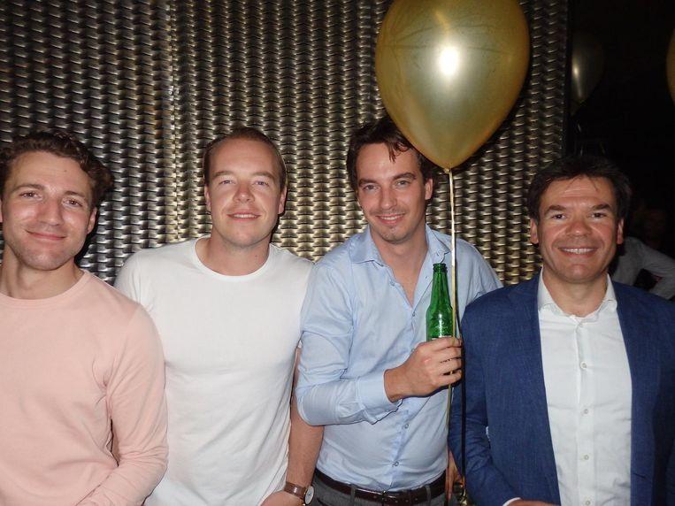 'Bierinspecteur' Rogier de Jong, Almar Stolp (Digital manager), Chris Kok (Corporatevideo.nl) en Jaap Dekkers (AkzoNobel én Enlight) Beeld Schuim