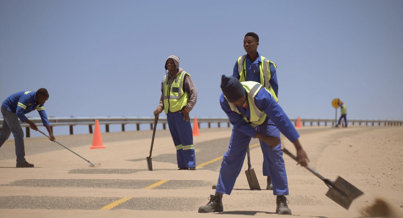 Als mijnbouwbedrijf Namdeb vertrekt uit Oranjemund kan de plaats zomaar een spookstad worden. Beeld