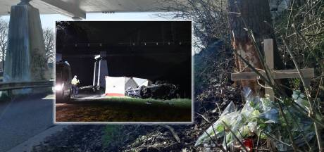 Betrokkenen dodelijk ongeluk in Almelo belandden via een boom en de vangrail op de kanaaloever