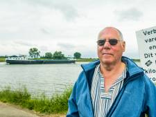 Waarom schipper Wim de as van zijn overleden zoon in het water van de Rijn strooit