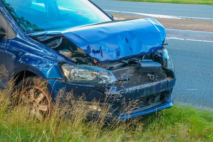 Schade na een kop-staartbotsing in Leusden.